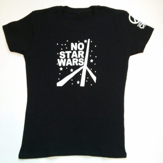 'No Star Wars' slogan on women's snugfit T-Shirt