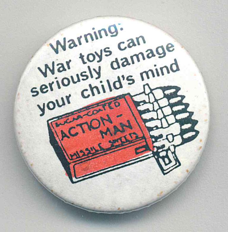 war toys Badges